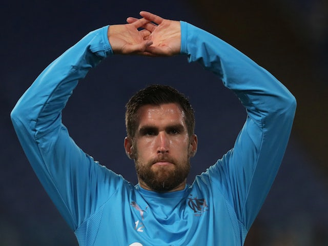 Milan clubs to rival West Ham for Strootman?