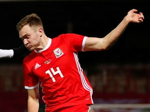 Barnsley midfielder Ryan Hedges agrees Aberdeen move
