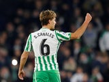 Real Betis midfielder Sergio Canales in action against Real Madrid in January 2019