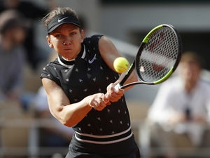 Simona Halep comfortably into French Open quarter-finals