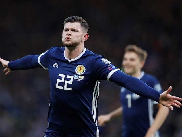Oliver Burke joins Alaves on loan from West Brom