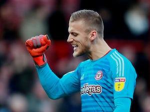 Bristol City sign goalkeeper Daniel Bentley from Brentford