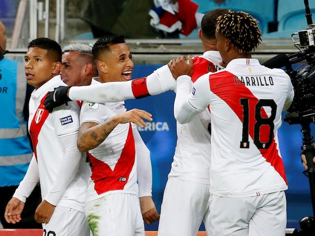 Peru players celebrate Yoshimar Yotun's goal against Chile in the Copa America semi-finals on July 3, 2019