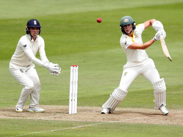 Australia close in on retaining Ashes as Ellyse Perry stars again