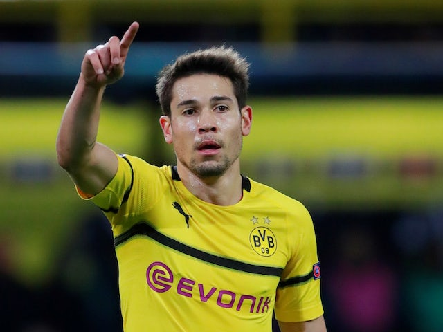 PSG in talks with Dortmund over Guerreiro?