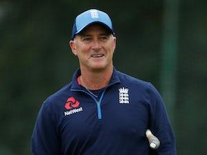 "England coach Graham Thorpe urges batsmen to show ""desperation"""