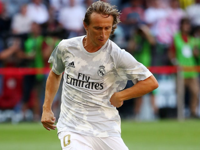Luka Modric warms up for Real Madrid on July 30, 2019