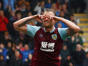 Ashley Barnes signs new Burnley contract to 2022