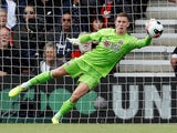 Dean Henderson in action for Sheffield United on August 10, 2019