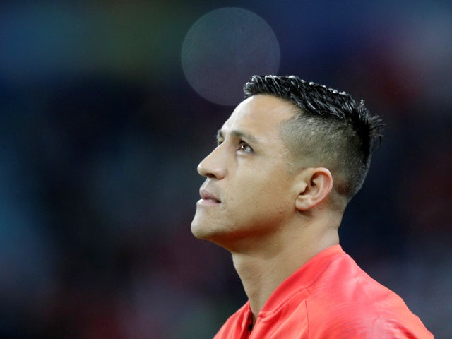 Sanchez 'refusing to take pay cut as part of United exit'