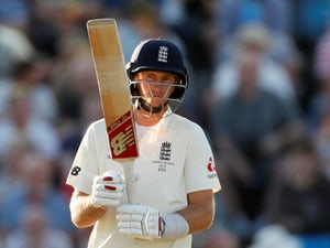 England frustrate Australia in search of record run chase