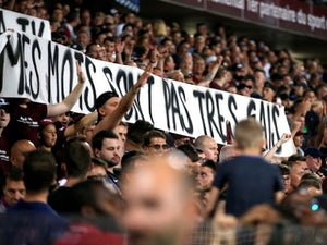 Homophobic banner interrupts match as PSG defeat Metz