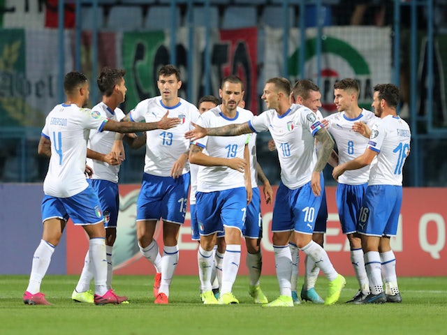Result: Italy leave it late to beat 10-man Armenia