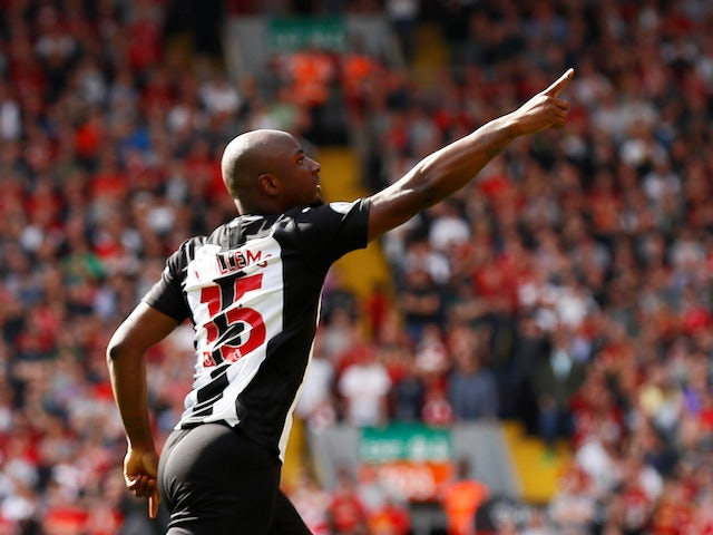 Jetro Willems scores during the Premier League game between Liverpool and Newcastle United on September 14, 2019