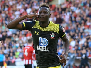 Moussa Djenepo scores winner as Southampton beat 10-man Sheffield United