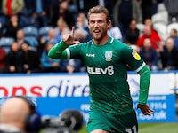 Sam Winnall celebrates getting the second goal for Sheffield Wednesday on September 15, 2019