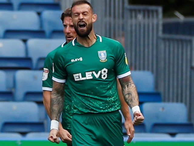 Neil Lennon confirms Celtic are in talks with Steven Fletcher