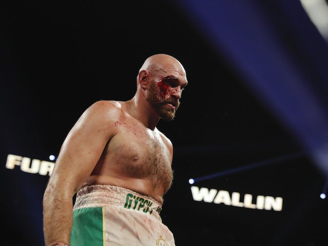 Fury and Wilder in shoving match ahead of Las Vegas showdown