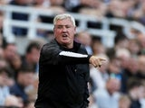 Newcastle United manager Steve Bruce gestures on September 21, 2019