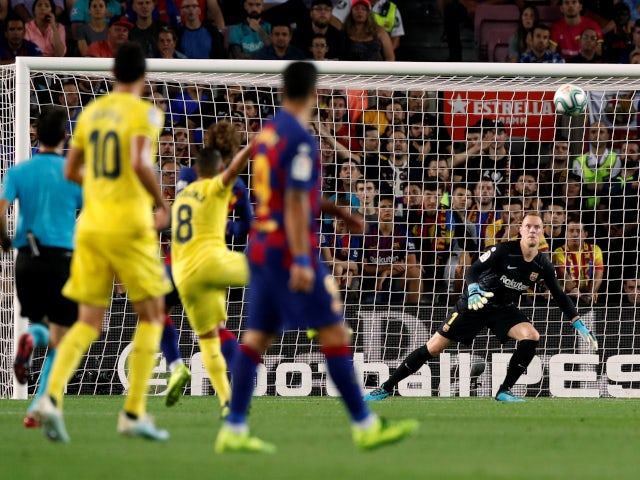 Santi Cazorla scores a wonder goal for Villarreal against Barcelona in La Liga on September 24, 2019.