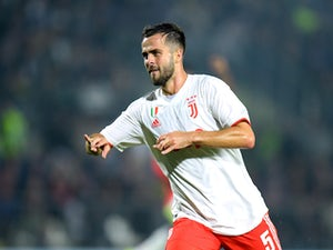 Man United 'eye swoop for Miralem Pjanic'