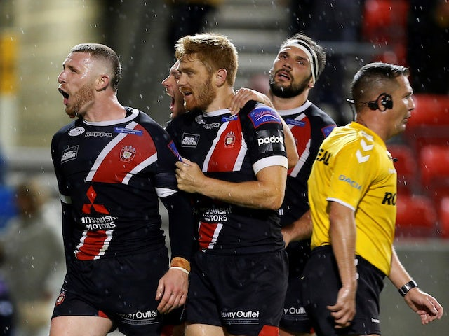 Result: Salford whitewash Castleford Tigers to move within one win of Grand Final