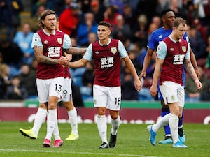 Pressure mounts on Silva as Hendrick helps Burnley past Everton