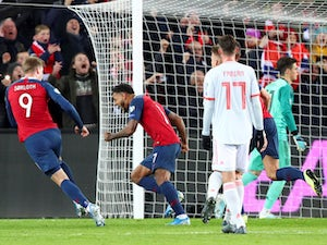 Spain fall to late draw as Josh King equalises in stoppage time