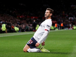 Man Utd end Liverpool winning run as Lallana rescues draw