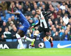 Chelsea 'offer Kurt Zouma to Paris Saint-Germain'