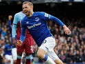 Gylfi Sigurdsson celebrates his late goal for Everton on October 19, 2019