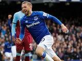 Gylfi Sigurdsson celebrates his late goal for Everton on October 19, 2019