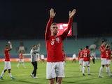 Jordan Henderson gestures to England fans on October 14, 2019