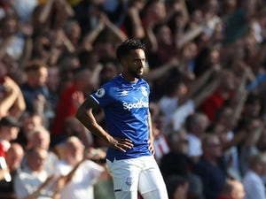 "Theo Walcott hails ""united"" Everton display over West Ham"
