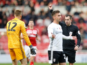 Ten-man Fulham hold on for Middlesbrough stalemate