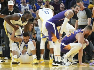 NBA roundup: Steph Curry breaks hand in Golden State Warriors loss