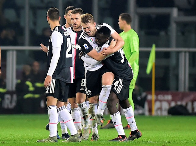 Juventus' Matthijs de Ligt celebrates with Blaise Matuidi and teammates after the match against Torino on November 2, 2019