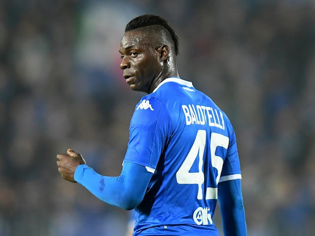 Mario Balotelli grateful for fan support in wake of racist abuse at Verona
