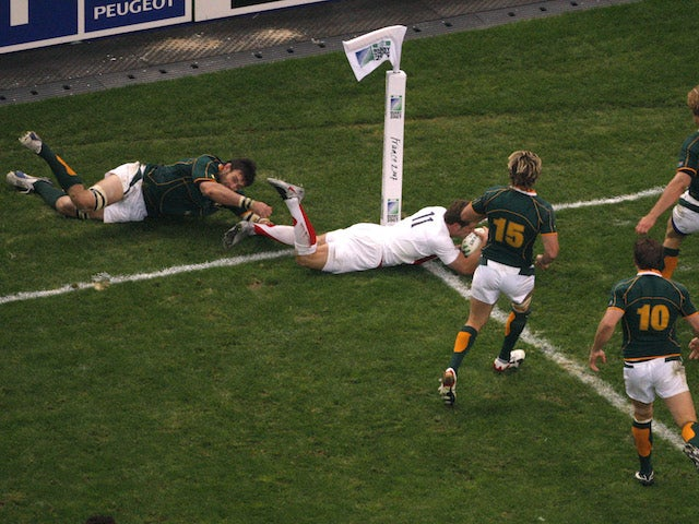 England's Mark Cueto fails to score a try during the Rugby World Cup final against South Africa at the Stade de France Stadium in Saint-Denis, near Paris, October 20, 2007