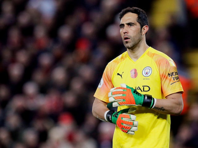 Man City 'prepared to let Claudio Bravo leave for free'