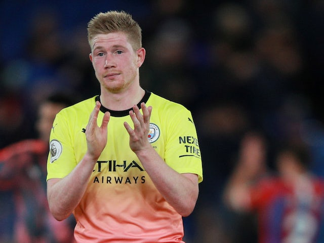 Manchester City's Kevin De Bruyne applauds fans after the match in October 2019