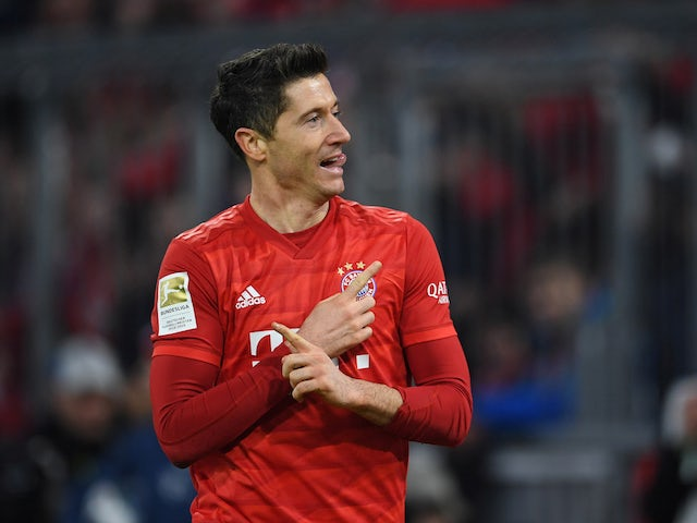 Robert Lewandowski reveals Manchester United contact