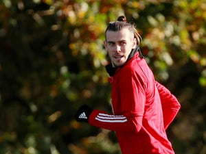 Gareth Bales trains with Wales squad