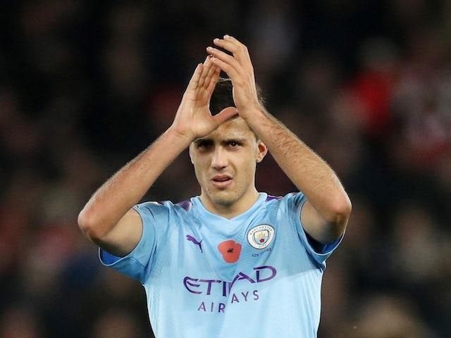 Rodri applauds Man City fans on November 11, 2019