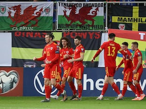 Wales beat Azerbaijan to keep automatic qualification hopes alive
