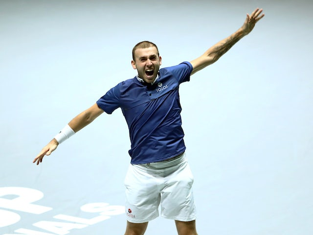 Result: Dan Evans puts GB in Davis Cup semi-finals