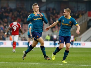 Jarrod Bowen brace rescues Hull draw at 10-man Middlesbrough