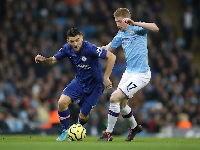 Manchester City's Kevin De Bruyne in action with Chelsea's Mateo Kovacic in the Premier League on November 23, 2019