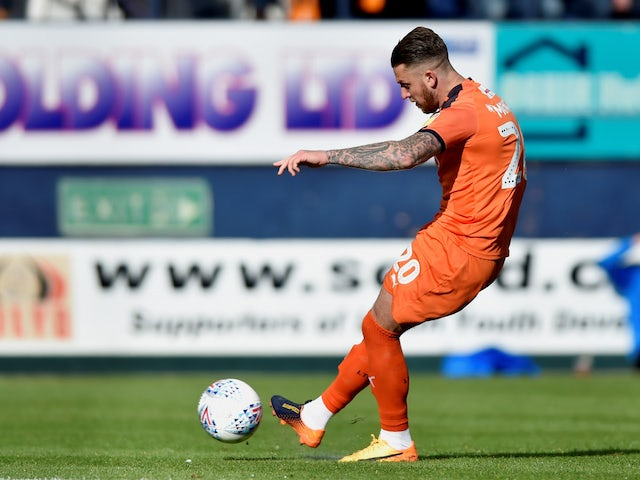 Result: Moncur snatches late win for Luton over 10-man Wigan