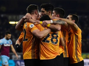 Wolves beat West Ham to pile pressure back on Manuel Pellegrini